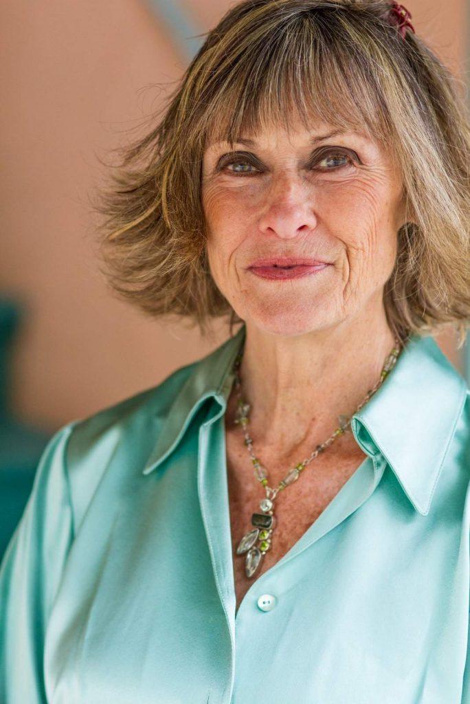 Holistic Healer Dr Mary Lou Rane 1334x2000-001